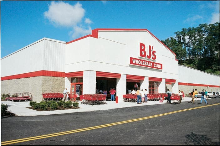 Outside_BJs